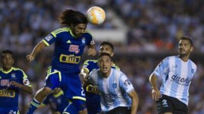 Lobatón marcó doblete en el triunfo de los peruanos.
