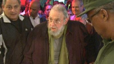 Alejado del poder en 2006 por una crisis de salud, Fidel Castro se dedic...