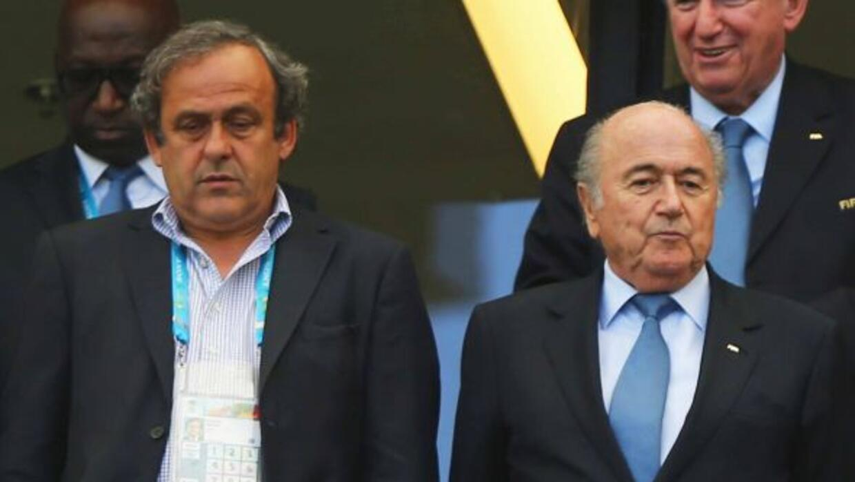 Con esta decisión, Platini no será algún obstáculo para Blatter en busca...