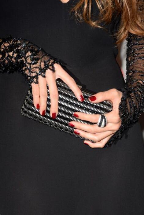 Esta cartera de mano, que le pertenecía a India Martínez, simplemente fu...