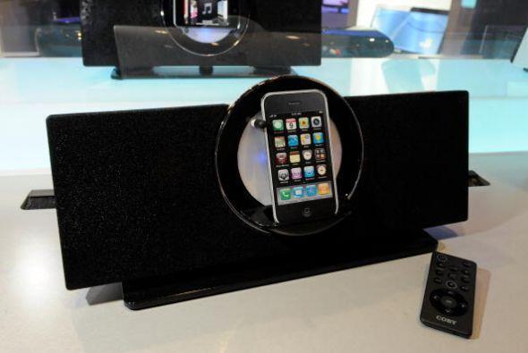 Los sistema de altavoces comenzaban a crearse con muelle para iPhones, i...