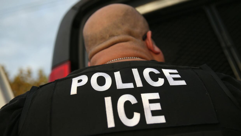 ¿Qué significan para los inmigrantes los memorandos del Departamento de...
