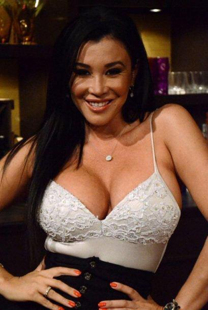 Claudia López siempre sonríe para la cámara.
