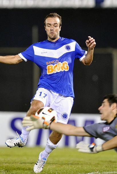 Thiago Ribeiro, en el minuto 17 abrió el marcador para el ´azulao´ que s...