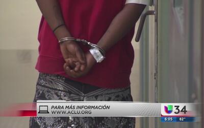 ¿Qué hacer si un ser querido fue arrestado por agentes de ICE?
