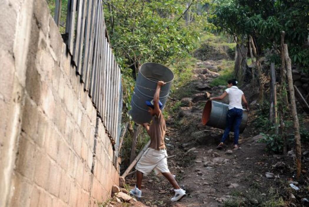 La gente ha padecido la falta de agua en algunas regiones en particular.