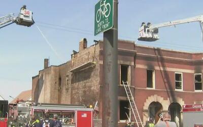 Tres personas heridas y una docena sin hogar tras incendio de una vivien...