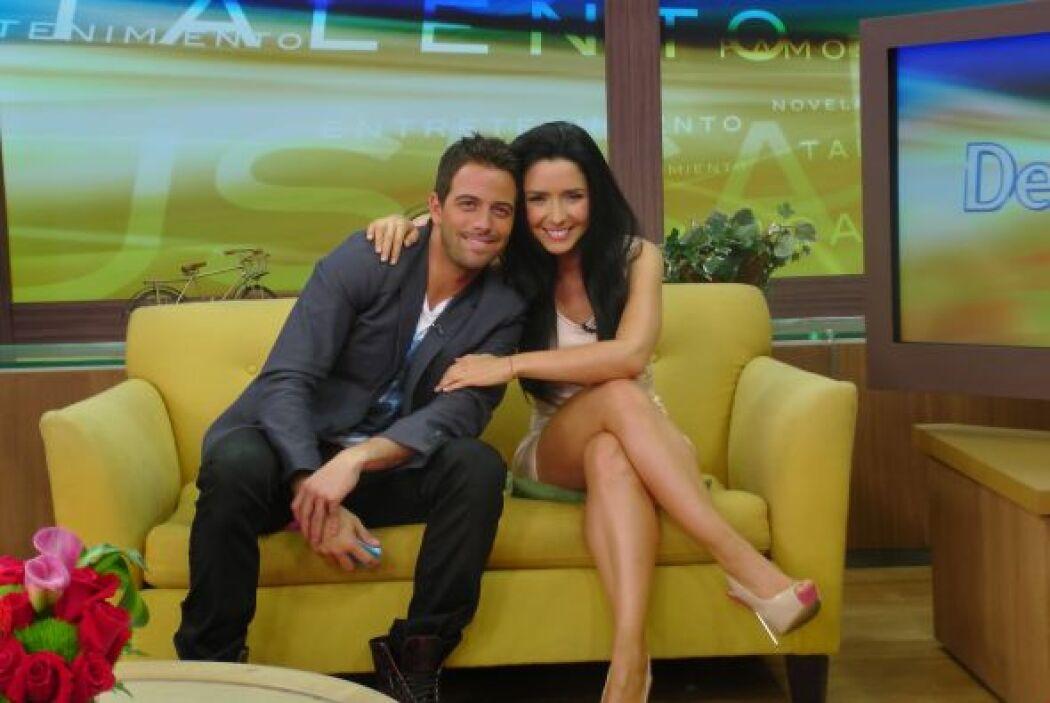 La guapa pareja aprovechó para desmentir una posible relación amorosa en...