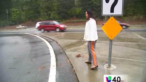 La familia del niño atropellado en una parada de autobús exige cambios a...