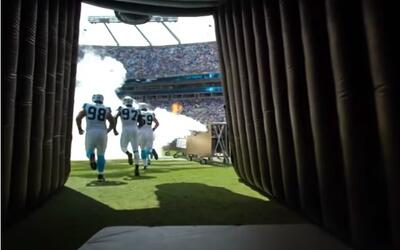 Saliendo al campo con los Carolina Panthers