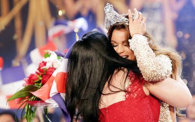 Clarissa Molina en su primer Facebook Live como reina de Nuestra Belleza...