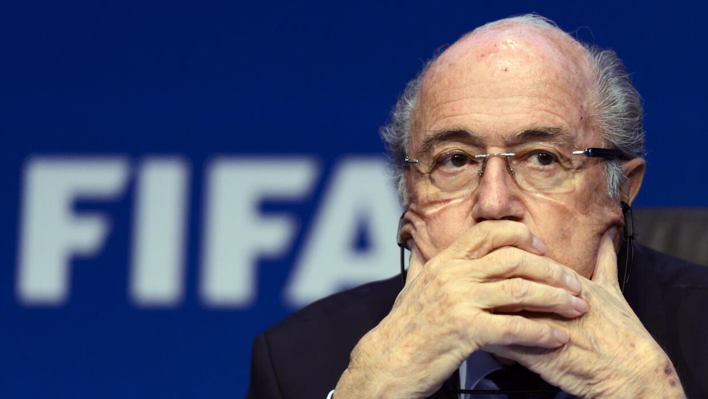 Blatter deja la FIFA
