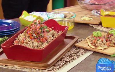 Damon y Jake cocinaron un Huarache de Carnitas en La Cocina de Karla