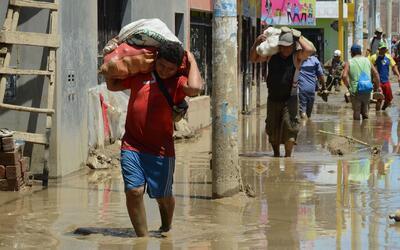 Miles de damnificados sufren en carne propia los estragos de las lluvias...