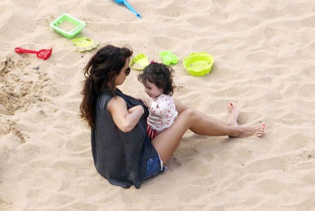 La pequeña Luna la buscó para tomar leche materna. Mira aquí los videos...
