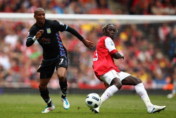 El Villa se puso en ventaja con dos anotaciones de Darren Bent.