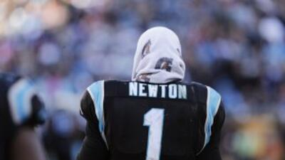Cam Newton y los Panthers quedaron eliminados en los Playoffs Divisional...