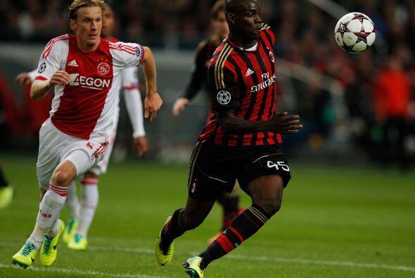 El Milan visitó el Ámsterdam Arena para medirse con el Aja...