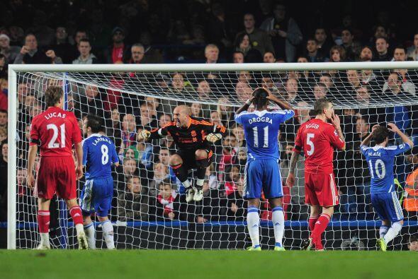 Chelsea tuvo una inmejorable opción de adelantarse, pero se fall&...