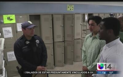 Comunidad reconoce labor de policías