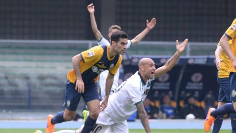 El mexicano Márquez disputó el duelo ante el Sassuolo como parte del 11...