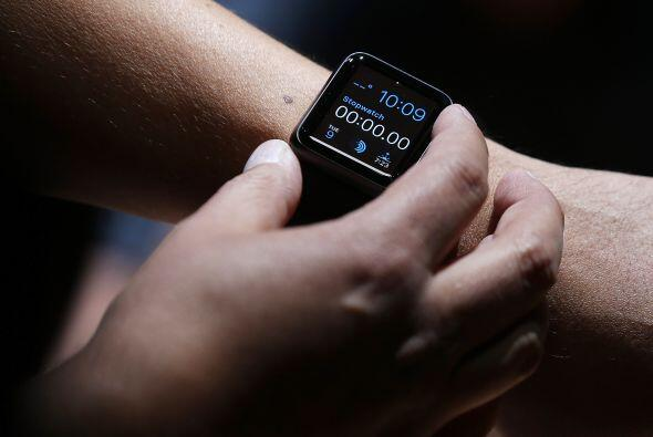 Al igual que sus competidores, el Watch es un complemento para un teléfo...