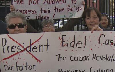"""Exiliados cubanos en Union City celebran lo que consideran """"el principio..."""