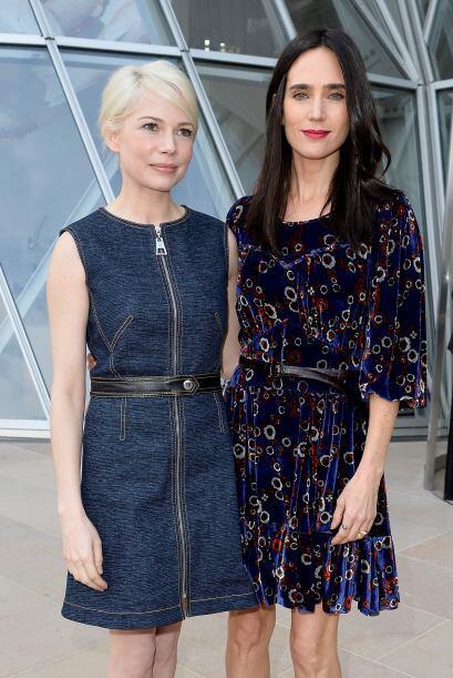 Juntas disfrutaron la pasarela con muchos tintes retros de Louis Vuitton.