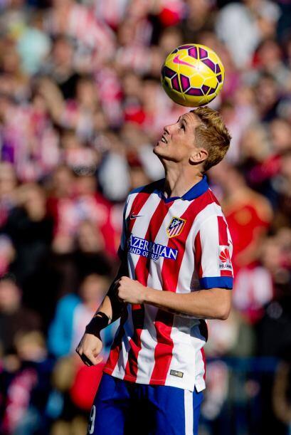 Emocionado e interrumpido por el cántico de siempre 'Fernando Torres, lo...