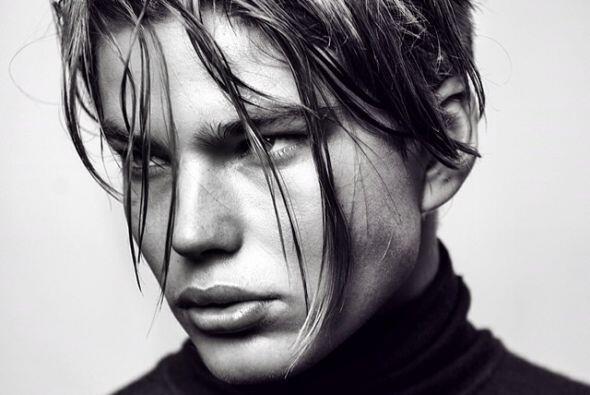 Ha trabajado con importantes diseñadores como Roberto Cavalli.