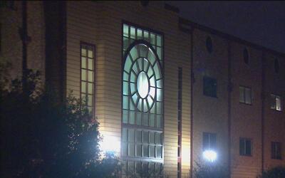 Dos estudiantes de la Preparatoria Lee de San Antonio fueron arrestados...
