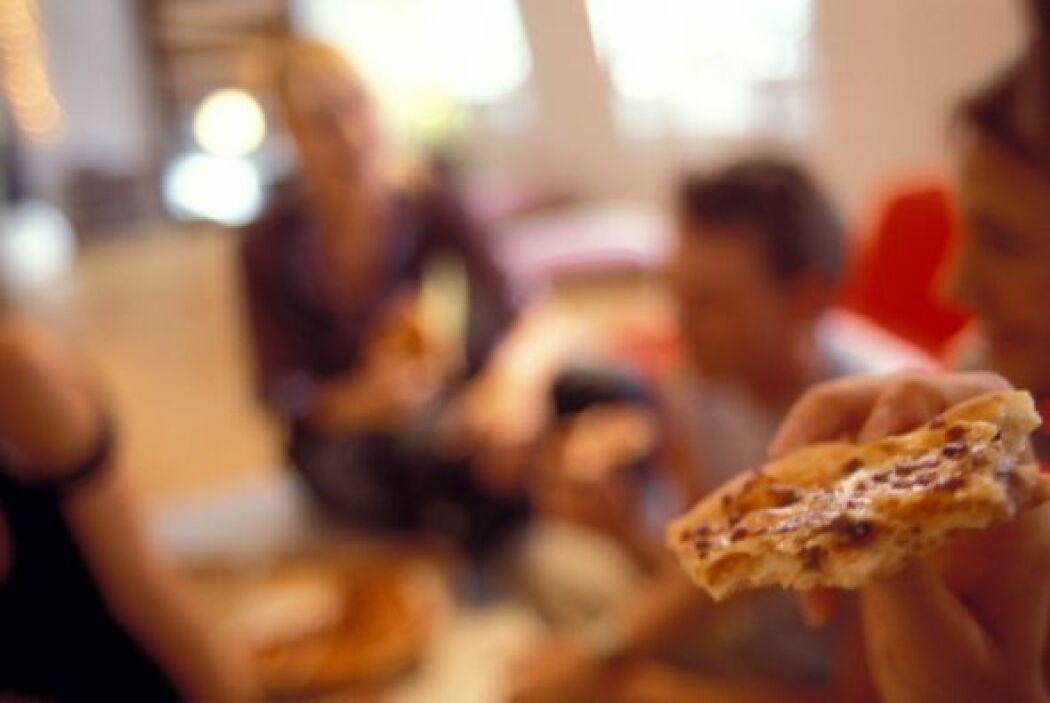 #9. Baja calidad Esto no es una noticia nueva: la comida chatarra regula...