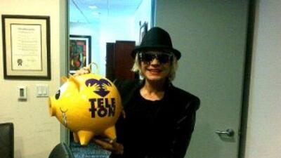 Chary en el Teletón (foto tomada de su cuenta de Twitter).