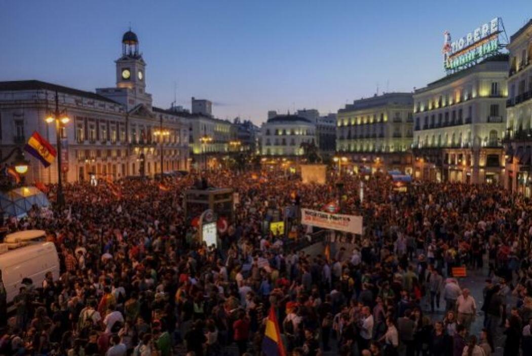 Miles de personas abarrotaron las plazas de las principales ciudades del...