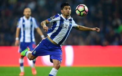 'Tecatito' Corona jugó los 90 minutos ante el Tondela.