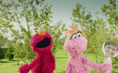 Elmo y Lola jugaron el juego de las emociones