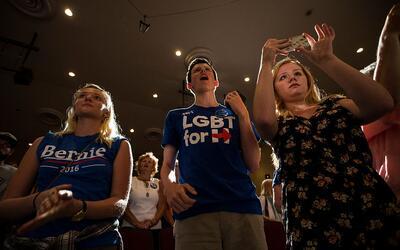 Sanders y sus seguidores se han quejado de que los superdelegados favore...