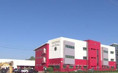 Las escuelas 'Raul Yzaguirre School for Success' continúan ampliando sus...