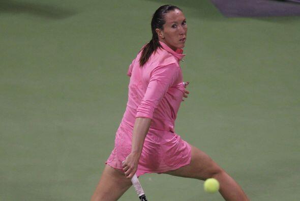La foto lo dice todo, un toque de calidad de la jugadora  de Serbia.