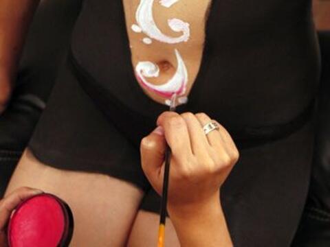 El 'body paint' es una técnica que utiliza pigmentos que se aplic...