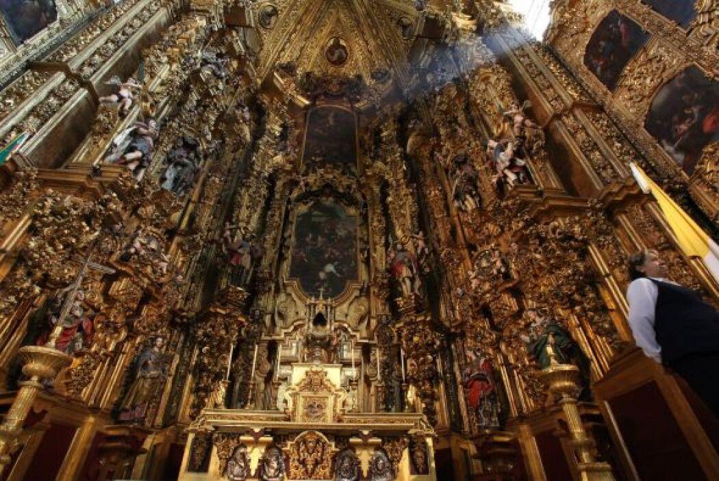 Hoy en día hay muchos lugares para admirar dentro de la Catedral, como e...