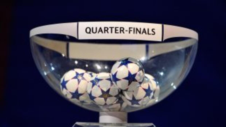 La bolitas esperan para ser sorteadas para los cuartos de final de la UE...