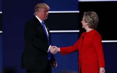 Clinton y Trump intercambiaron sus muy diferentes visiones de país duran...