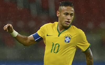 Neymar dijo que aprendió a controlarse y que ya no lo expulsan ni amones...