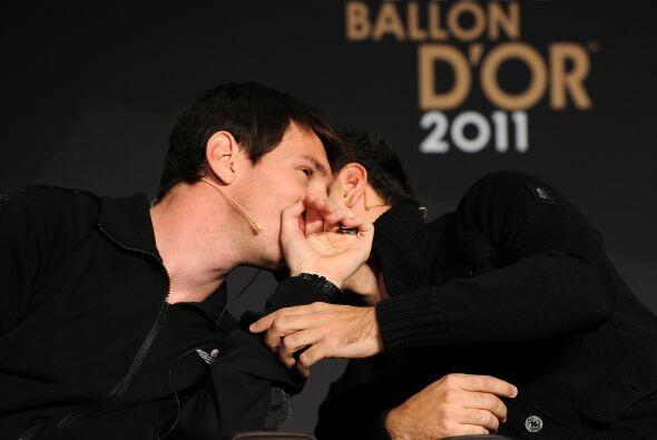 Por momentos, los compañeros en Barcelona se platicaban algunos secretos.