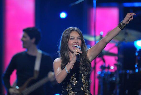 Thalía se encuentra promocionando su más reciente disco totalmente en vi...