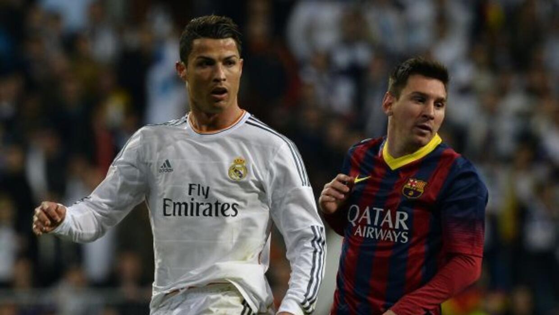 Acciones durante un partido entre Real Madrid y Barcelona.