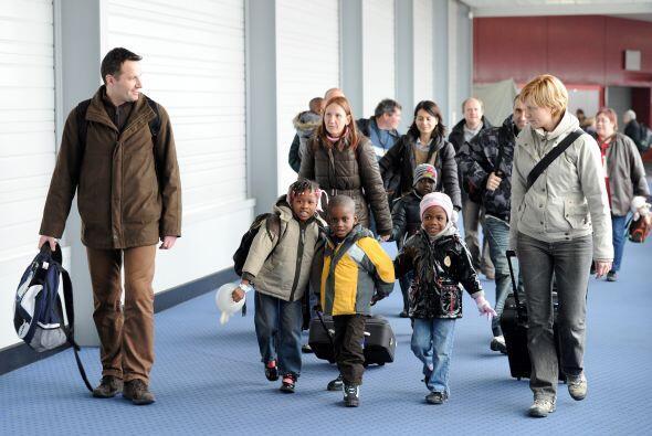 Se estima que alrededor de 700 pequeños están en Francia c...