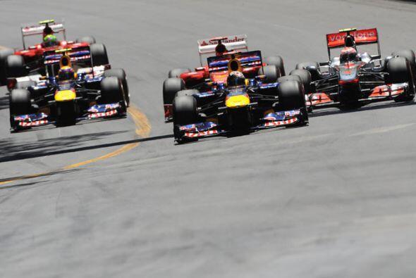 Pero Vettel, que solo paró una vez a cambiar neumáticos an...