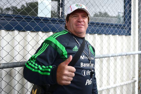 Miguel Herrera junto con el Tri comienzan su camino con miras al Mundial...